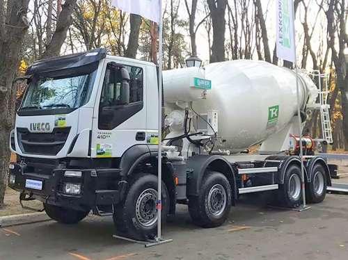 Автобетоносмеситель Imer Group Lt 10.7h на базе IVECO Trakker