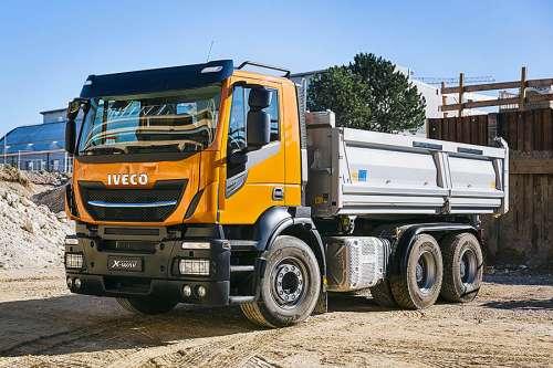 IVECO Trakker AD380T41 (6x4)